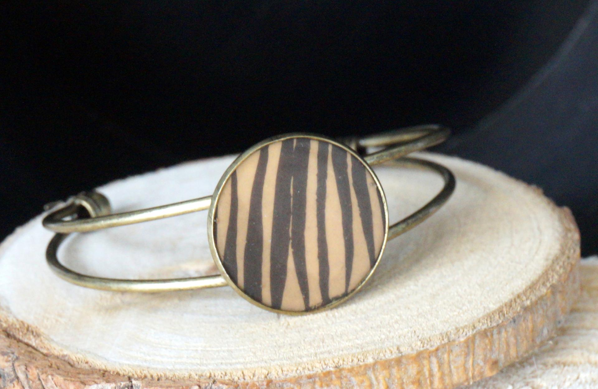 Bracelet ocre noir 1