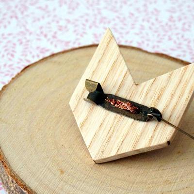 Broche renard rose triangle dos