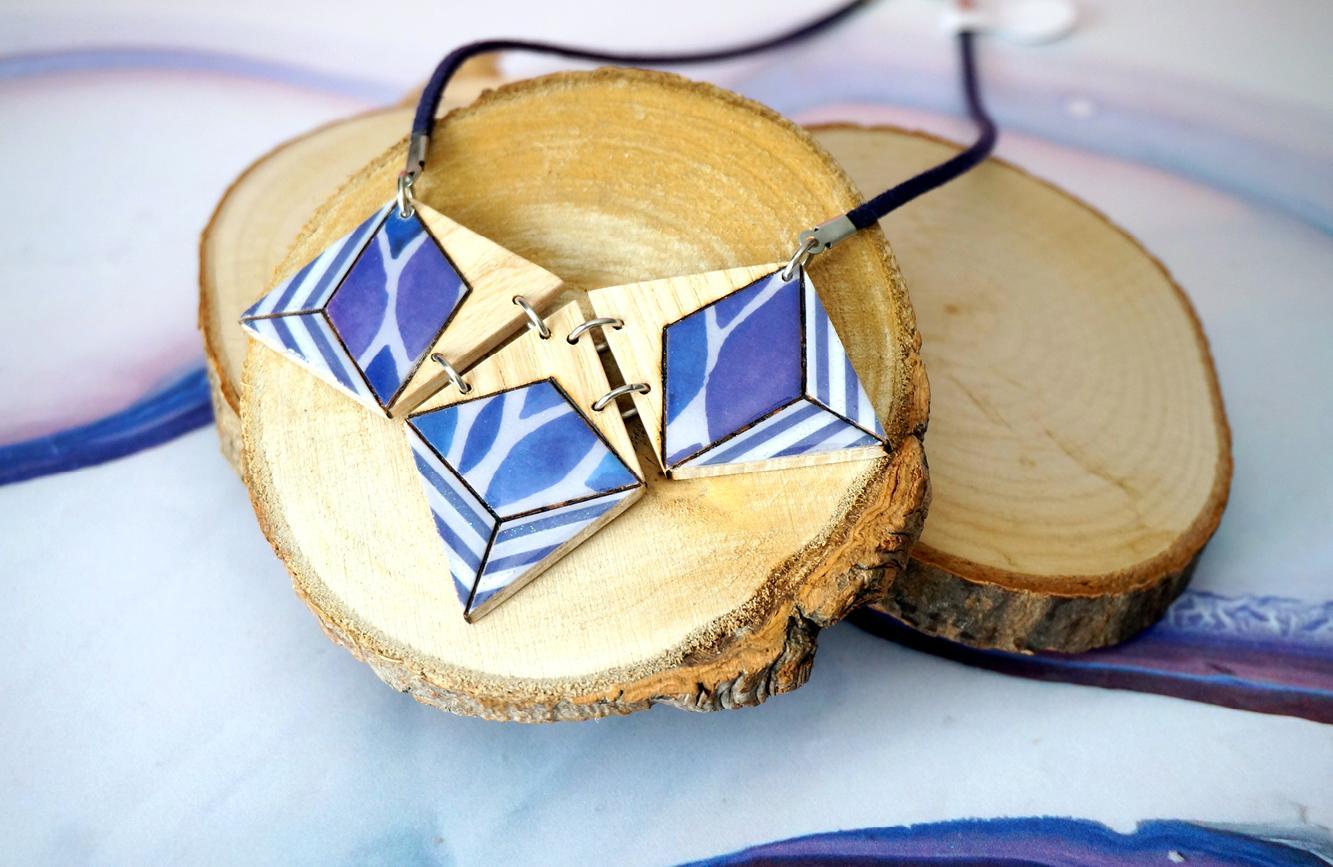 Collier 3 losanges bleu violet gris 3
