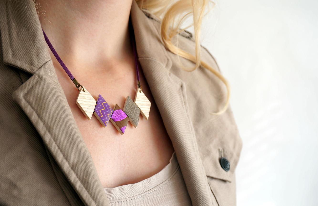Collier 5 losanges violet 1